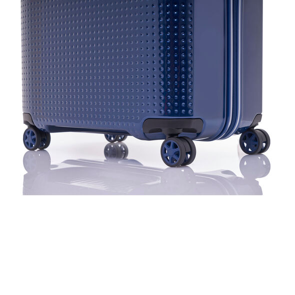 "Samsonite Pixelon 28"" Spinner in the color Navy."