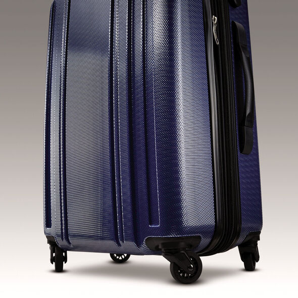 "Samsonite Carbon 2 28"" Spinner in the color Navy."