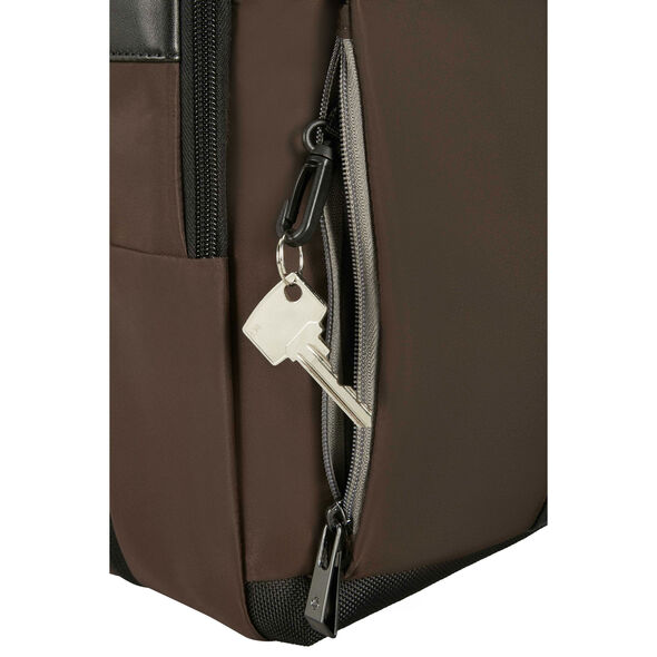 Samsonite Openroad Laptop Brief - Expandable in the color Chestnut Brown.