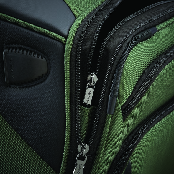 """Samsonite Armage 19"""" Spinner in the color Forest Green."""