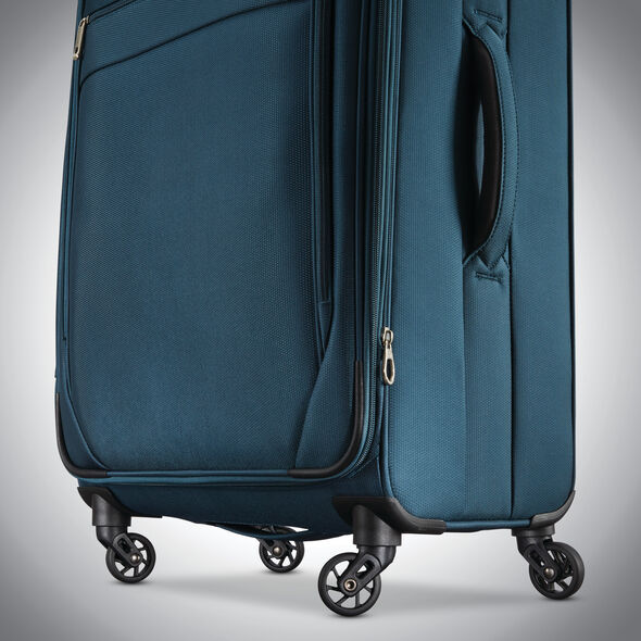 """Samsonite Advena 20"""" Expandable Spinner in the color Teal."""