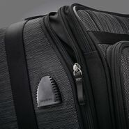 Samsonite SXK Global Carry-On Expandable Spinner in the color Black/Silver.