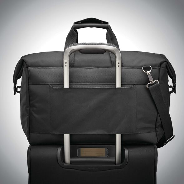 Samsonite Armage 2X Expandable Weekender in the color Black.