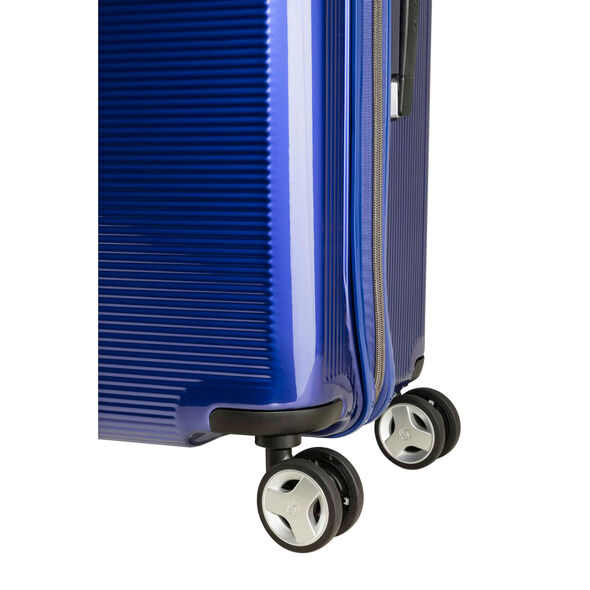 "Samsonite Arq 25"" Spinner in the color Cobalt Blue."