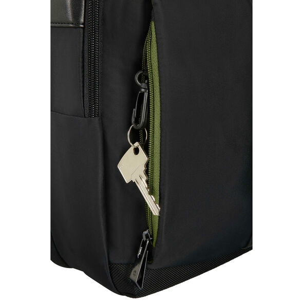 Samsonite Openroad Laptop Brief - Expandable in the color Jet Black.