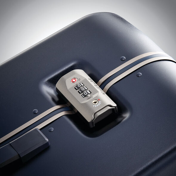 "Samsonite Fortifi 28"" Spinner in the color Dark Navy."