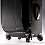 "Samsonite Quadrion 29"" Spinner in the color Black."