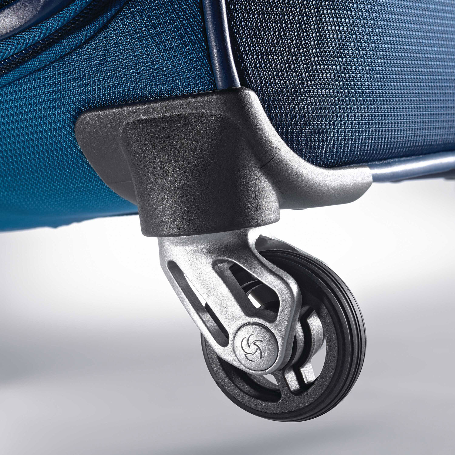 """638702378 Samsonite Eco-Nu 29"""" Expandable Spinner in the color Pacific ..."""