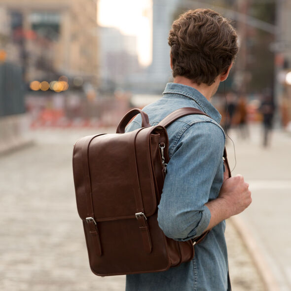 Samsonite Mens Leather 1910 Heritage Backpack in the color Chestnut.