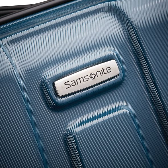 """Samsonite Centric 28"""" Spinner in the color Teal."""