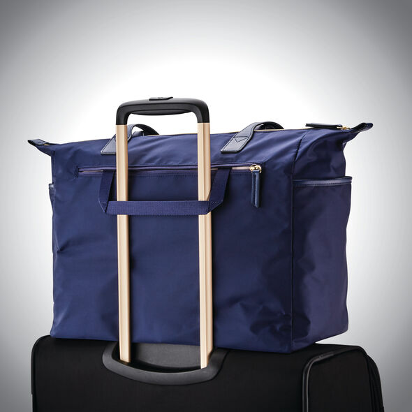 Samsonite Mobile Solution Deluxe Carryall in the color Navy Blue.