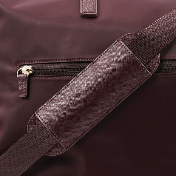 Samsonite Encompass Womens Convertible Weekend Duffel in the color Bordeaux.
