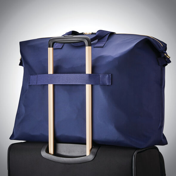 Samsonite Mobile Solution Classic Duffel in the color Navy Blue.