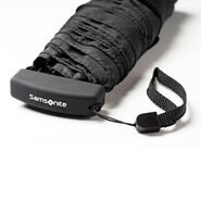 Samsonite Samsonite Manual Flat Compact Umbrella in the color Black.