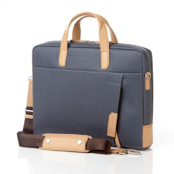 Samsonite Red Brillo Briefcase in the color Dark Blue.