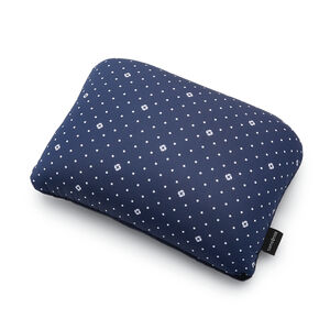 Magic 2 in 1 Pillow in the color Navy Dots.