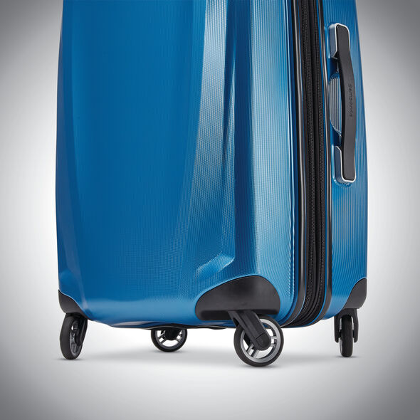 """Samsonite Winfield 3 DLX 28"""" Spinner in the color Blue/Navy."""