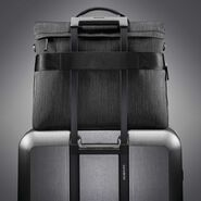 Samsonite SXK Core Messenger in the color Black/Silver.