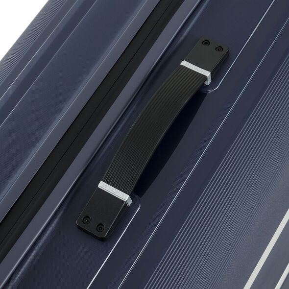 "Samsonite Hartlan 25"" Spinner in the color Navy."